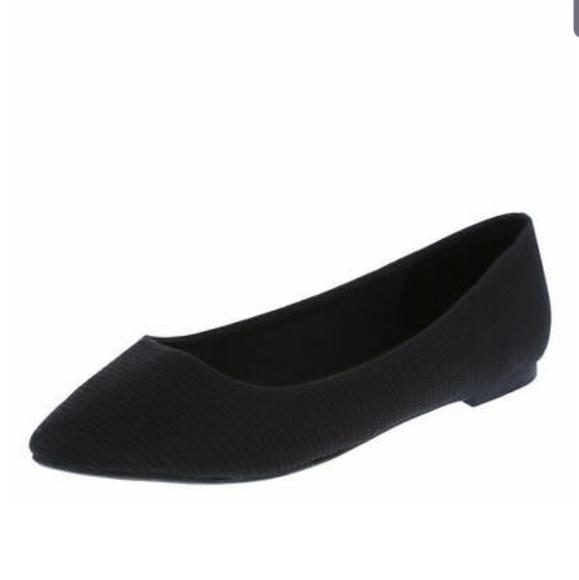 Christian Siriano Shoes - Christian Siriano Black Gigi Pointed Toe Flat WW